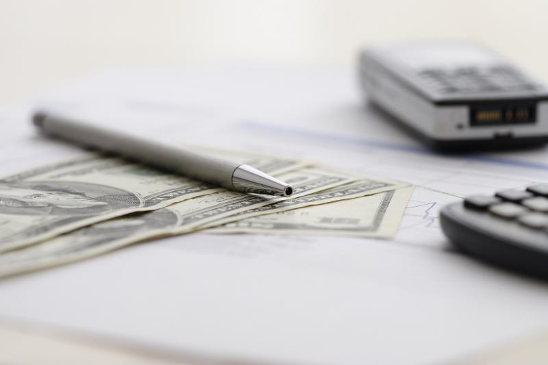 Kreditkarten: Mögliche Folgekosten beachten