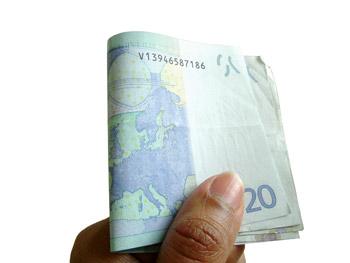 Mit Visa Bargeld bei Aldi abheben