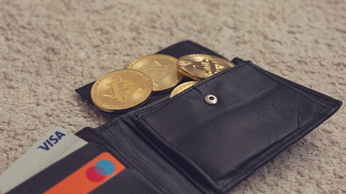 Kartenzahlung klimafreundlicher als Bargeld & Bitcoin
