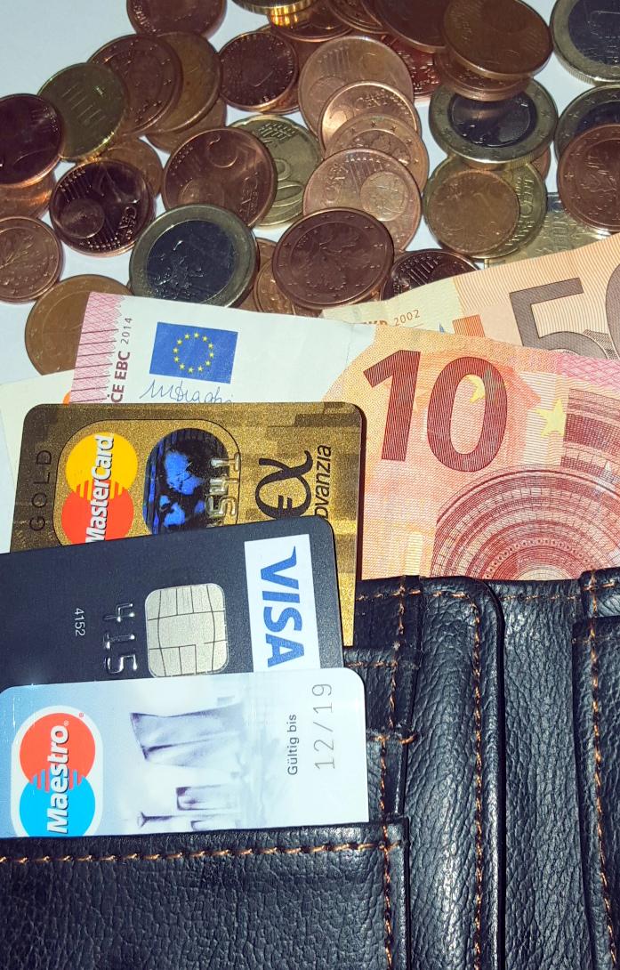 Kleingeld war gestern – Erster Obdachloser akzeptiert Kreditkarte