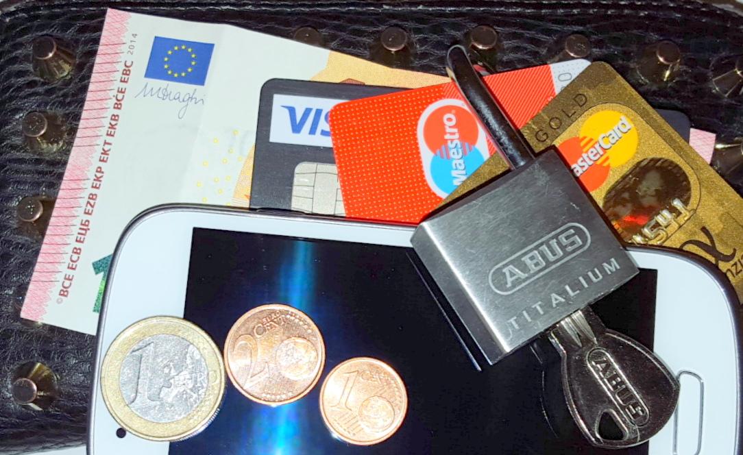 Maximale Sicherheit beim Onlinekauf mit der ICS VISA World Card