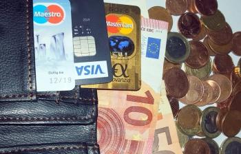 Olympioniken erhalten vom Sponsor Visa einen Payment-Ring