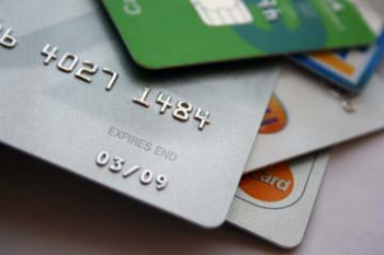 Revolving Kreditkarten sind auf dem Vormasch